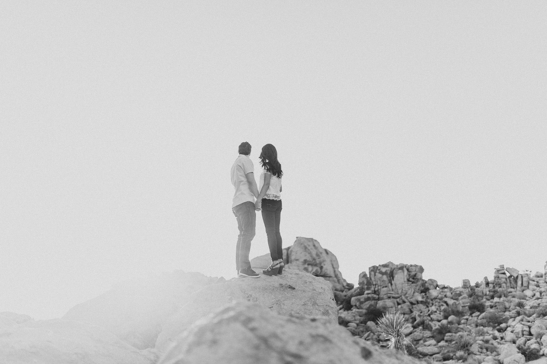 irena-ryan-joshuatree-engagement-photos-california-photographer010