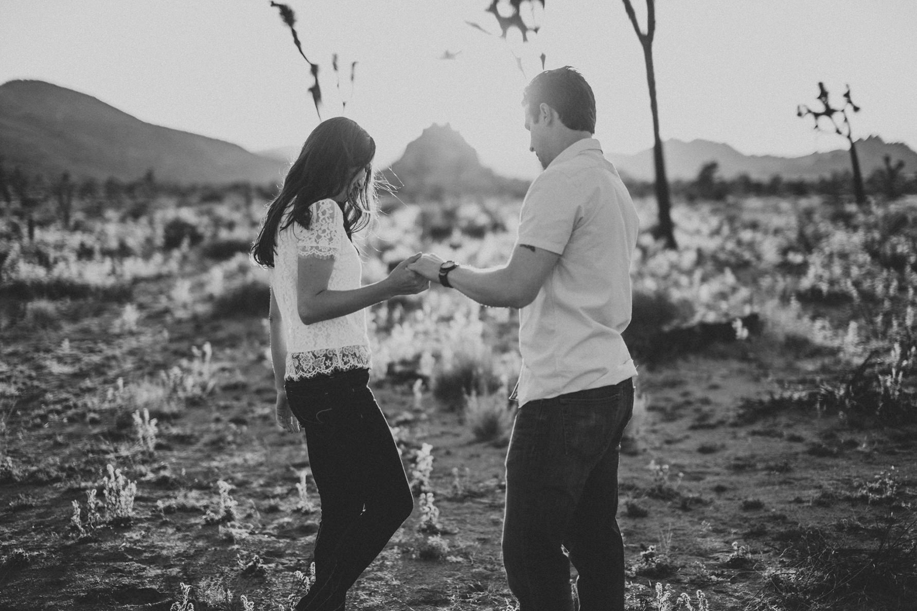 irena-ryan-joshuatree-engagement-photos-california-photographer031