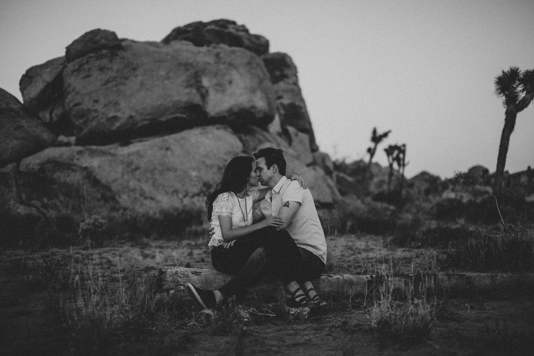 irena-ryan-joshuatree-engagement-photos-california-photographer048
