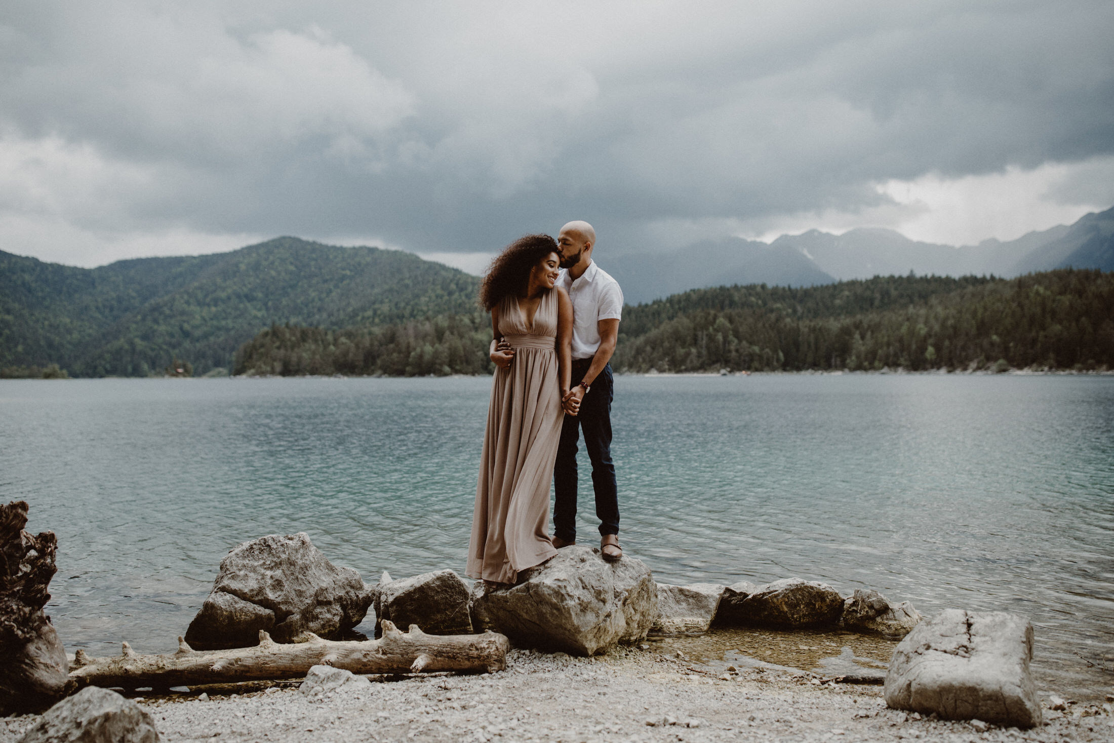 breanna-and-justin-engagement-photos-eibsee-garmisch-partenkirchen-0019
