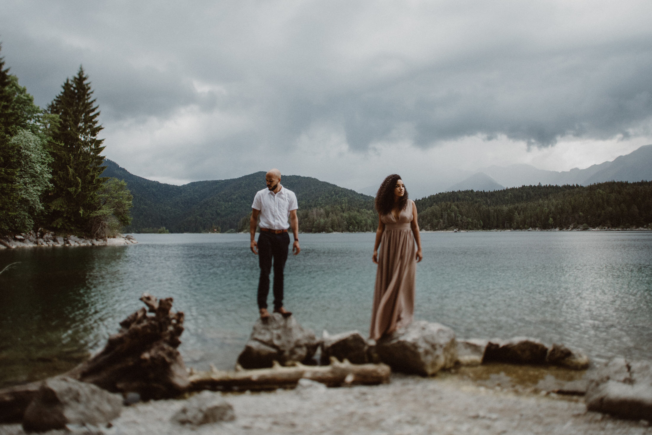 breanna-and-justin-engagement-photos-eibsee-garmisch-partenkirchen-0021